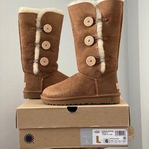 UGG Australia Bailey Button Boots in chestnut NIB!